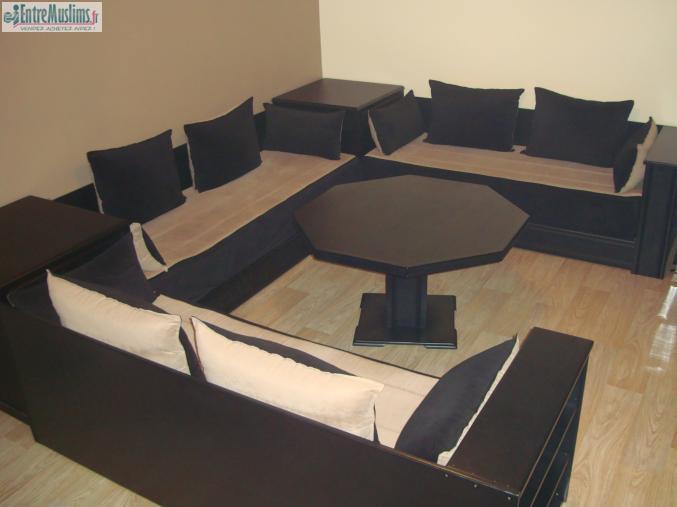 salon marocain noir moderne en excellent tat. Black Bedroom Furniture Sets. Home Design Ideas