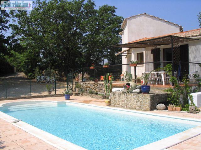 Promotion villa avec piscine sans vis a vis for Accessoire piscine sollies pont