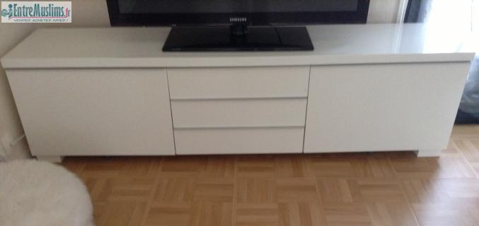 Meuble tv blanc laqu ikea for Meuble tv tres long