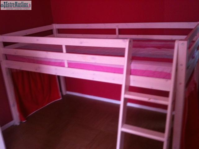 lit mezzanine en bois blanc en excellent tat. Black Bedroom Furniture Sets. Home Design Ideas